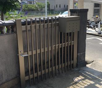 施工後の門扉の左側