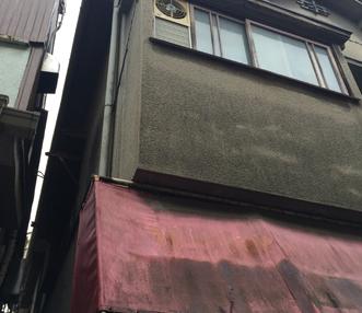 施工前の東面外壁