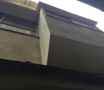 施工前の西面外壁