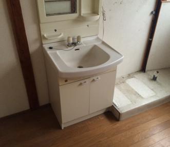 施工前にあった洗面化粧台