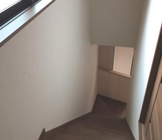 施工後に見下ろした階段
