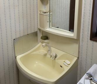 施工前の洗面化粧台