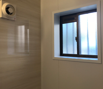 施工後の浴室窓