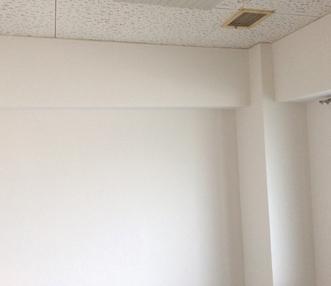 雰囲気も明るくなった施工後の洋室