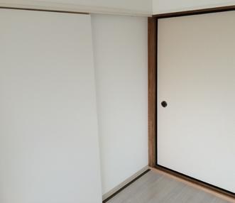 施工後の和室の入口