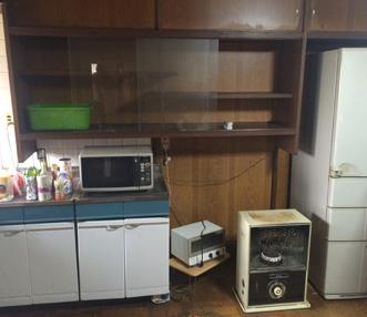 施工前のキッチン収納部分