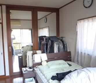 施工後の戸が設置された収納スペース