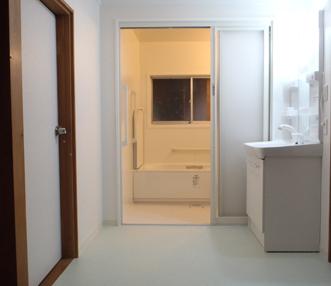 施工後の正面アップの浴室