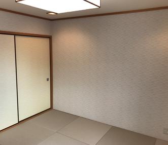 施工前の和室とキッチンの取合い扉