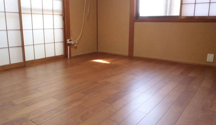フローリング貼りの和室