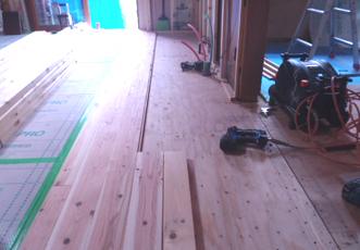 施工途中の床
