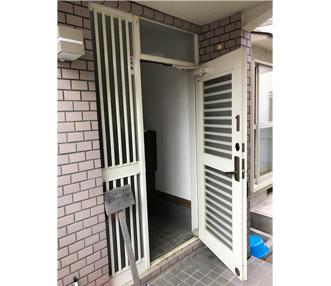 既設の玄関扉